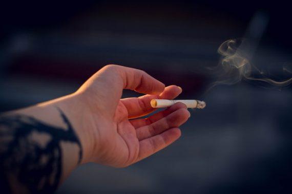 Regali di Natale: cosa regalare a un fumatore?